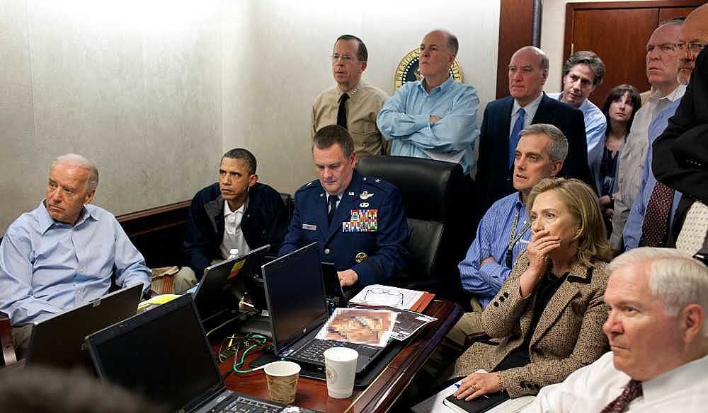Obama-et-son-equipe-dans-la-Situation-Room-.thumb.jpg.1e8713f161e79e1d1f17e0f4b461deab.jpg