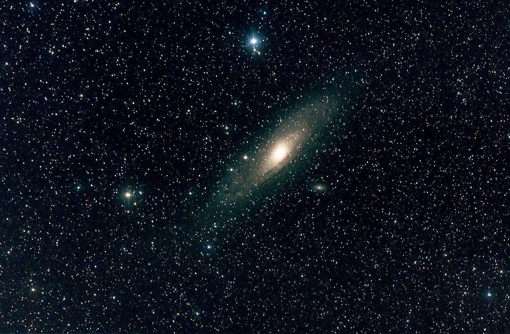 455197330_M31-Andromedagalaxycouleursautomatiques.thumb.jpg.c9b2d2a275a284328436d8a37e70a6e4.jpg