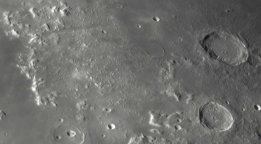 1338160645_Moon_045508_230519_ZWOASI290MM_IR_680nm_AS_P35_lapl4_ap851.thumb.jpg.35a5110ce0311d4d09d76d0509b44bd6.jpg