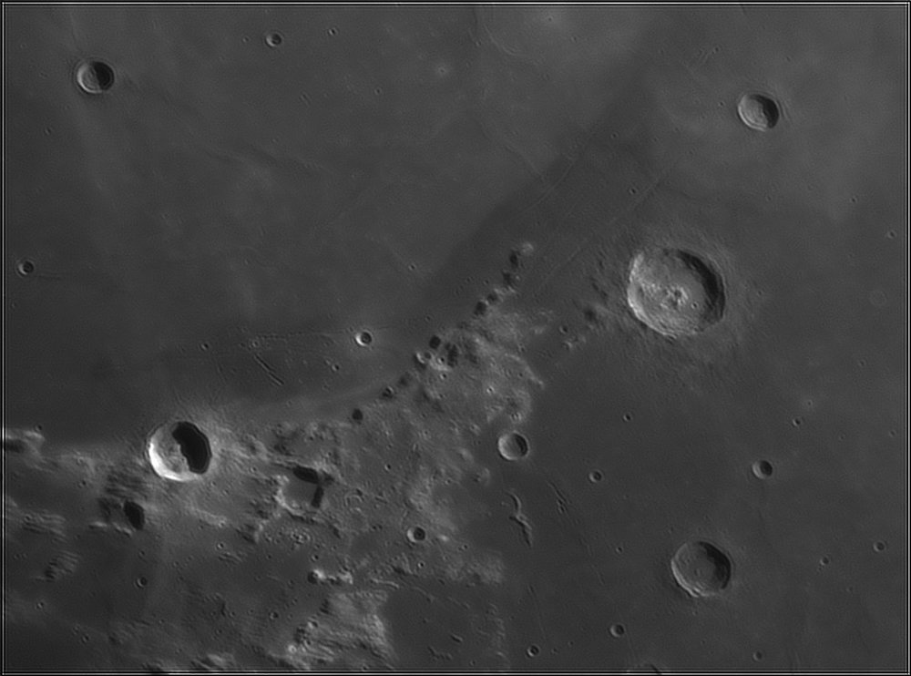 714290230_Moon_212738_110519_ZWOASI224MC_IR_630nm_AS_P40_lapl6_ap481.thumb.jpg.8049053f6f910fce7893edd926d31a21.jpg
