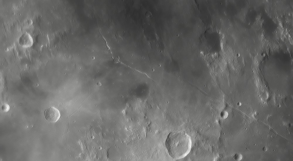 74007138_Moon_045415_230519_ZWOASI290MM_IR_680nm_AS_P35_lapl4_ap843.thumb.jpg.23f06336821c749300e695e482683082.jpg