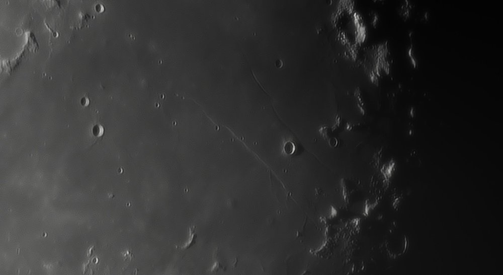 819183814_Moon_044712_230519_ZWOASI290MM_IR_680nm_AS_P35_lapl4_ap700.thumb.jpg.55b887ac896c1e3eb6e1522d42c1c765.jpg